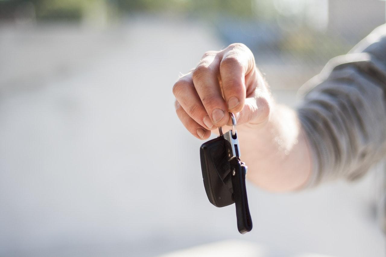 Find ejer af bil – Kan nummerplade afsløre bilens ejer?